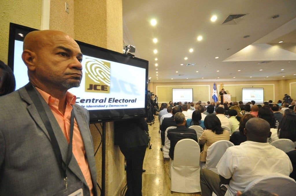 Lo que se sabe hasta ahora de la renuncia de 3 mil técnicos electorales en elecciones dominicanas