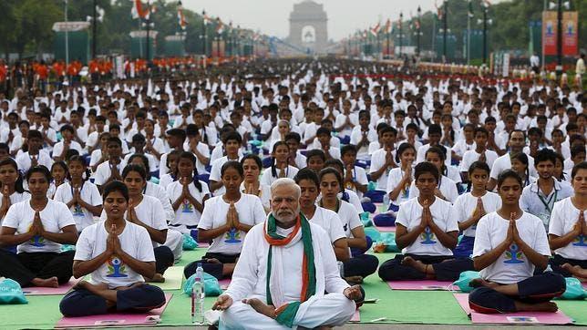 La India celebra de forma masiva el Día Internacional del Yoga