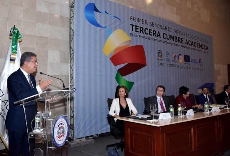 Leonel Fernández dice América Latina necesita repensar su diseño curricular