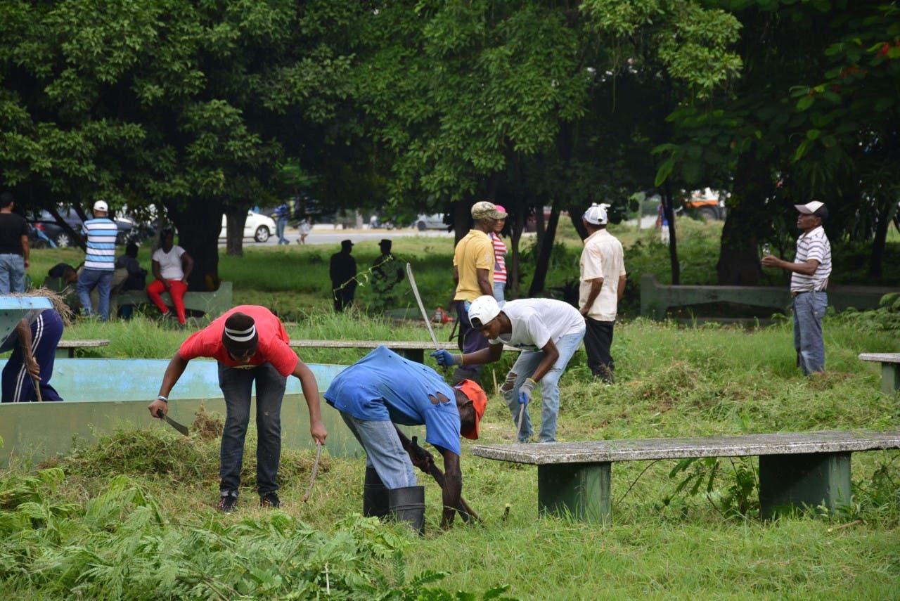 Medio Ambiente inicia trabajos de limpieza en el Parque Mirador Sur