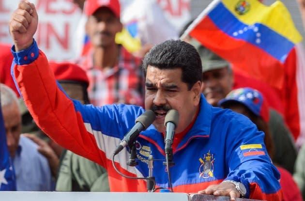 Maduro pide elebrar elecciones presidenciales junto a las legislativas