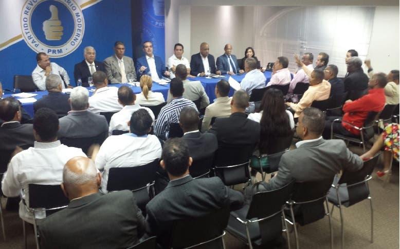 PRM reúne bloque parlamentario para orientarlo sobre su papel legislativo