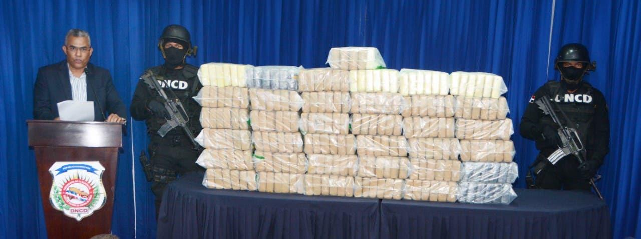 Decomisan 221 paquetes de droga  a dos  narcotraficantes en Bayahibe