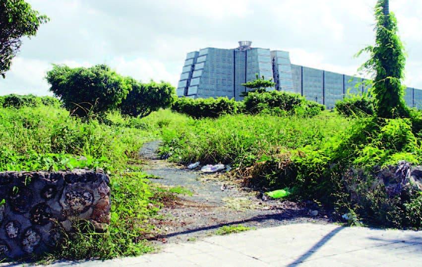 Residentes en Villa Duarte denuncian estado de abandono del Faro a Colón