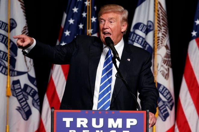 Donald Trump hablando durante un acto en Cedar Rapids, Iowa, el 28 de julio del 2016. Trump, candidato republicano a la presidencia de EEUU, pinta un panorama muy negativo del país y se ofrece como el salvador. (AP Photo/Evan Vucci)