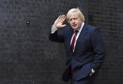 """Boris Johnson califica de """"divisoria"""" y """"equivocada"""" la política de Donald Trump"""