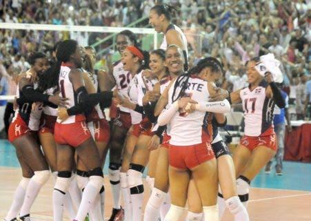 Las Reinas del Caribe celebran la victoria