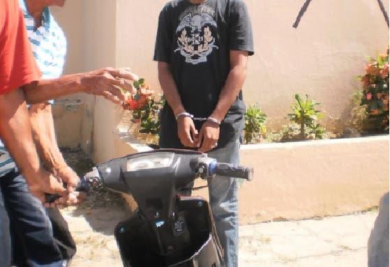 «Pasolero» asalta varias personas en la  Nicolás de Ovando