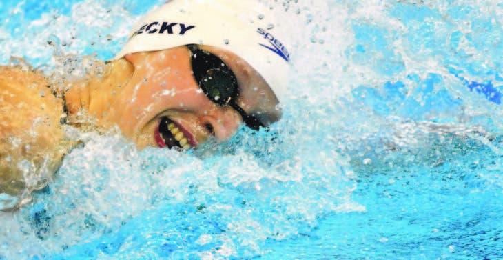 Katie Ledecki gana oro con récord mundial en los 400 libre
