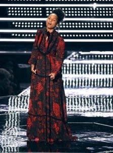 Alicia Keys presenta el premio al mejor video masculino durante la ceremonia de los Premios MTV a los Videos Musicales, el domingo 28 de agosto del 2016 en el Madison Square Garden de Nueva York. (Foto por Chris Pizzello/Invision/AP)
