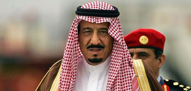 El rey saudí cambia al ministro de Trabajo y reforma el Senado