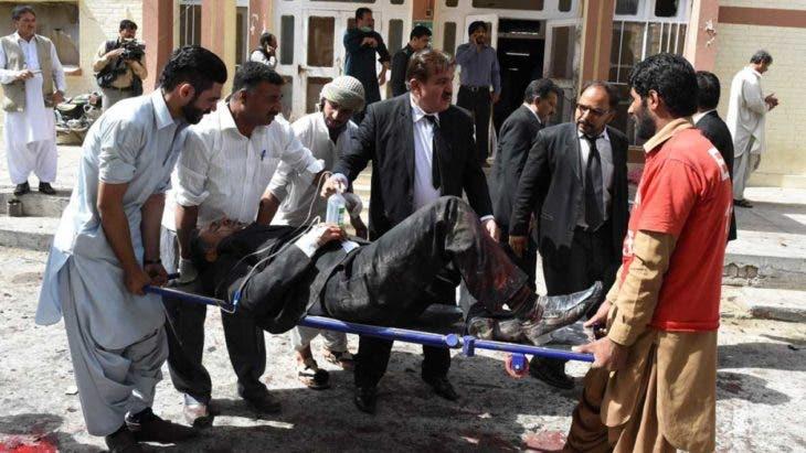 Pakistán: Al menos 70 muertos y 110 heridos en atentado talibán