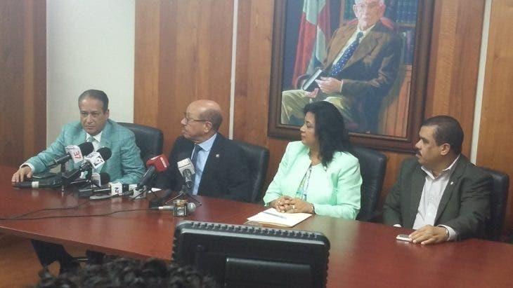 Ruben Darío Cruz es el nuevo portavoz de los senadores del PLD