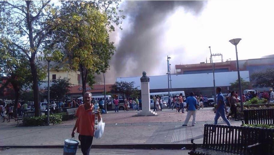 Según se informó, se trata de la tienda Almacenes Rodríguez, ubicada en las inmediaciones del Parque Enriquillo/Fuente externa.