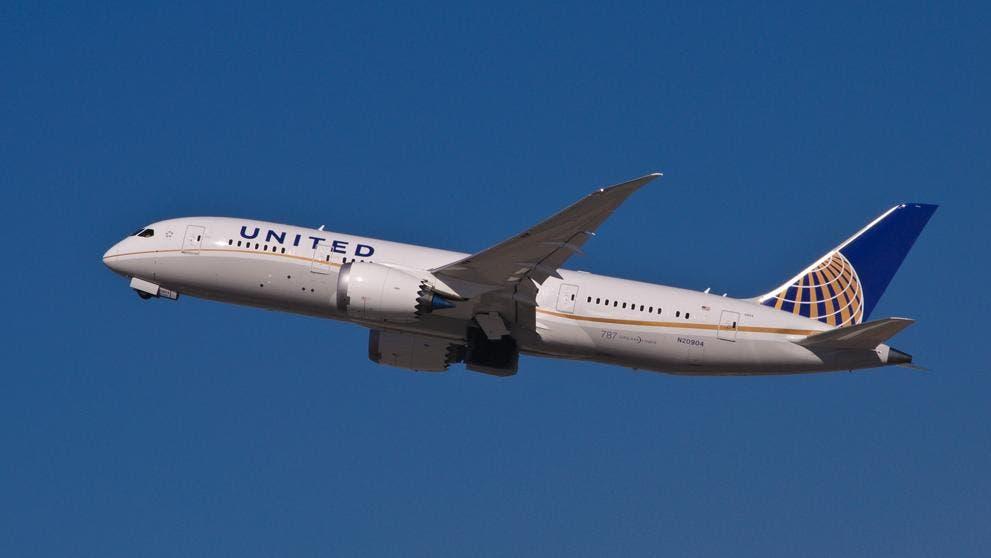 Dieciséis heridos por fuertes turbulencias en un avión de United Airlines