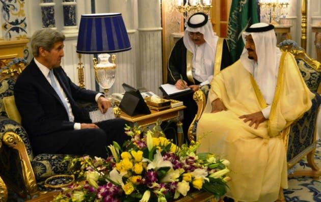 rey-saudi-recibe-kerry-hablar-siria-libia_1_2360990