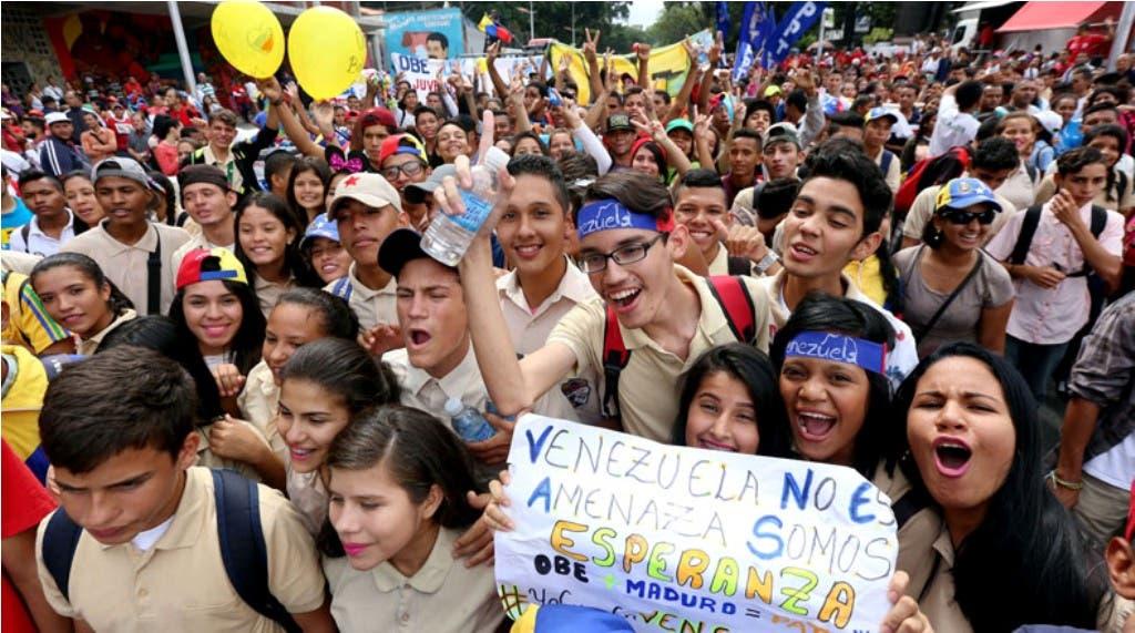 Jóvenes chavistas se movilizan por el Día de la Juventud y en apoyo a Maduro