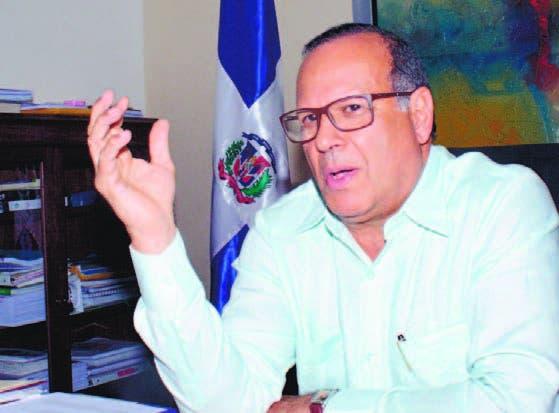 Nelson Rodríguez Monegro, director del Servicio Nacional de Salud.