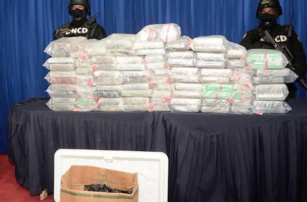 DNCD ocupa 141 paquetes de droga eran transportados en camioneta en Higüey