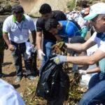 Selebración del día Mundial de Limpieza de Playa 2016, encabezada por el Ministro de Medio Ambiente Lic Francisco Dimínguez Brito. Hoy/ Napoleón Marte 17/09/2016