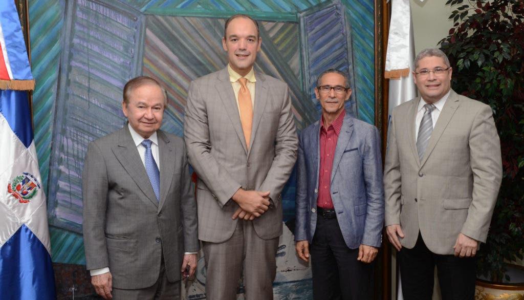 Del Castillo Saviñón anuncia apoyo a CERTV como empresa de servicio público.