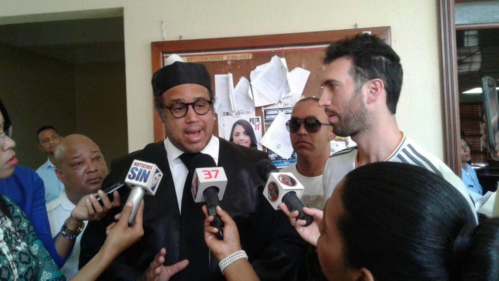 Karim Abu Naba´ y su abogado Miguel Valerio