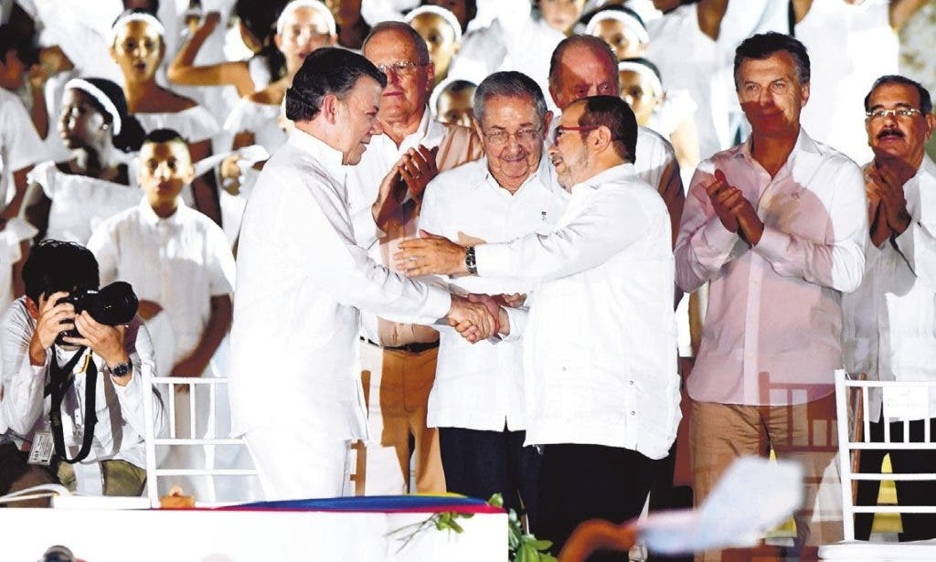 Los actores del proceso de paz en Colombia figuran entre los favoritos para el Premio Nobel de la Paz de este año