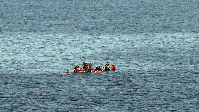 Al menos 29 personas murieron hoy en el naufragio de un barco frente a la costa mediterránea de la provincia egipcia