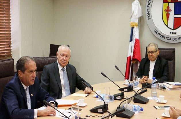 Alburquerque dice escucharán a sociedad civil, pero decisión sobre JCE y TSE será según la Constitución