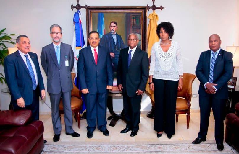 Rosario y embajador Haití