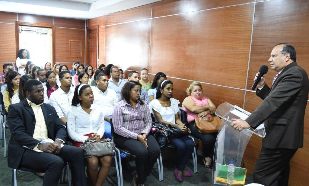 Nelson Rodríguez Monegro declara gobierno realiza levantamiento de equipos en hospitales.