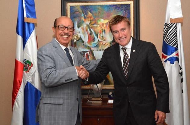 Ministro de Industria y Comercio y embajador EEUU abordan temas de comercio bilateral
