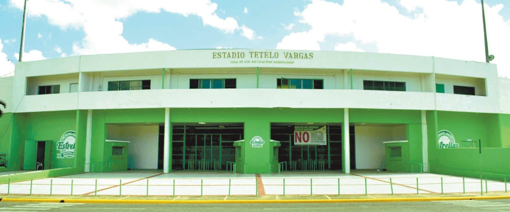 Fanáticos se quejan por condiciones del Estadio Tetelo Vargas