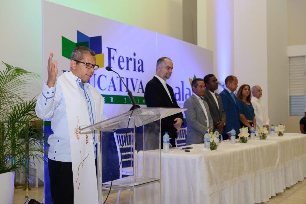 La Asociación La Vega Real de Ahorros y Préstamos  desarrollo por segunda ocasión su feria educativa .