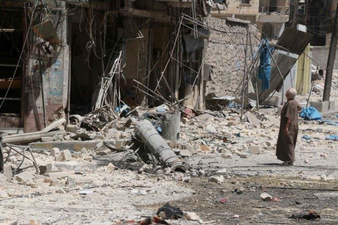 Bombardeos golpean un convoy de ayuda humanitaria en Alepo, según ONG.