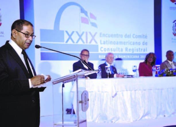 R. Dominicana prevé medio millón de personas se desplace por huracán Matthew