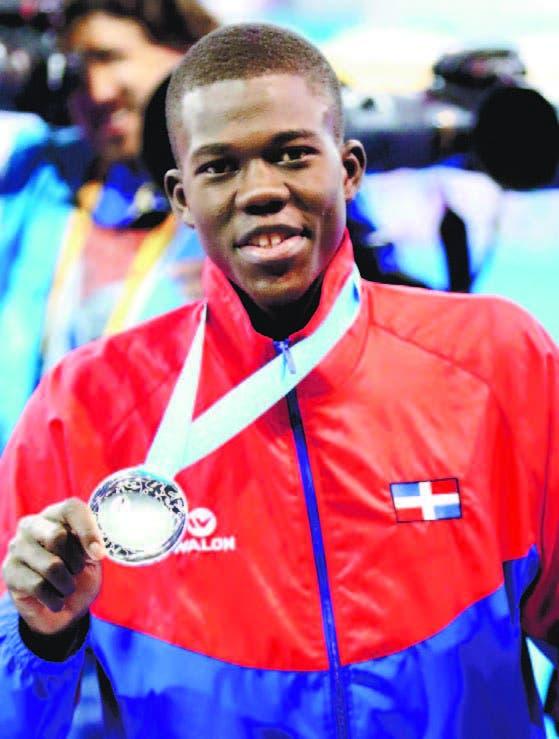 Luis Pie gana medalla de oro Copa Presidente Taekwondo