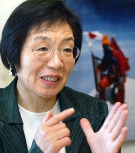 (FILES) This file photo taken on May 16, 2003 shows Junko Tabei of Japan speaking during an interview with Agence France-Presse in Tokyo. Tabei, the first woman to conquer Mount Everest, died aged 77, media reported on October 22, 2016. She completed the first conquest of Mount Everest by a woman in 1975, accomplishing the feat via the southeast ridge route.  / AFP / KAZUHIRO NOGI