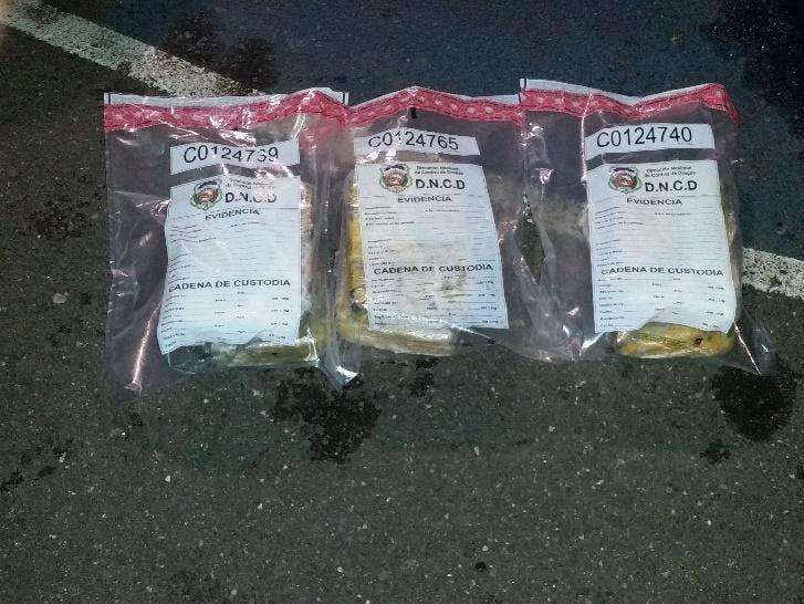 DNCD decomisa 17 paquetes de droga en el Distrito Nacional y el AILA