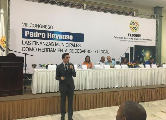 Consultores internacionales participan en congreso de Fedomin