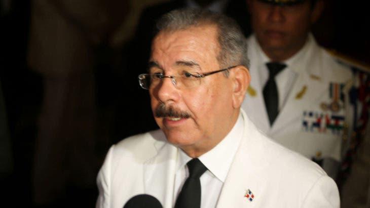 El presidente Danilo Medina expresó su satisfacción por la ayuda solidaria de República Dominicana a Haití. Indicó que se hizo lo que tenía que hacerse y destacó el apoyo de los empresarios dominicanos al vecino país. Fuente externa 20/10/2016