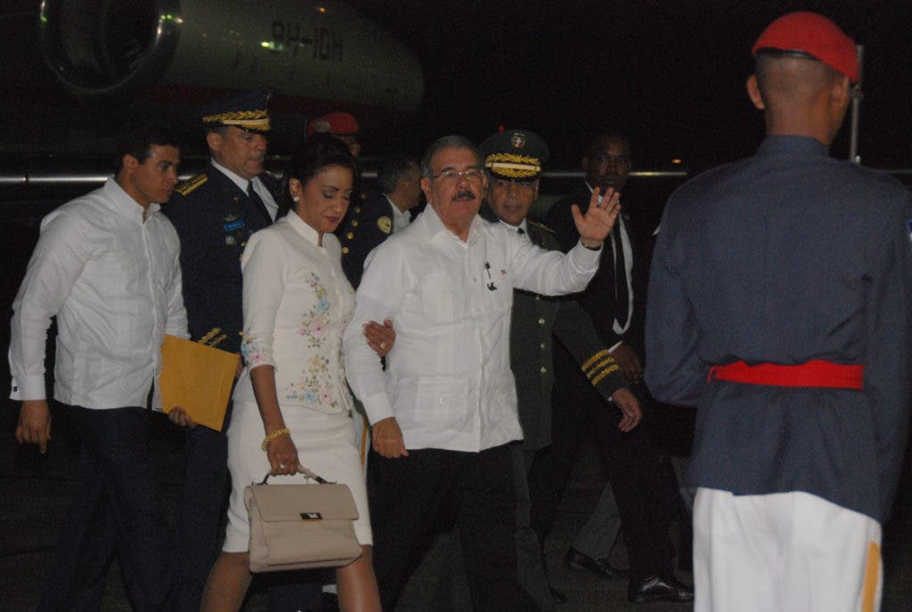 Llegada del presidente Danilo Medina por la Base Aérea de San Isidro,  de su viaje a Colombia. Hoy/ Aracelis Mena. 29/10/2016