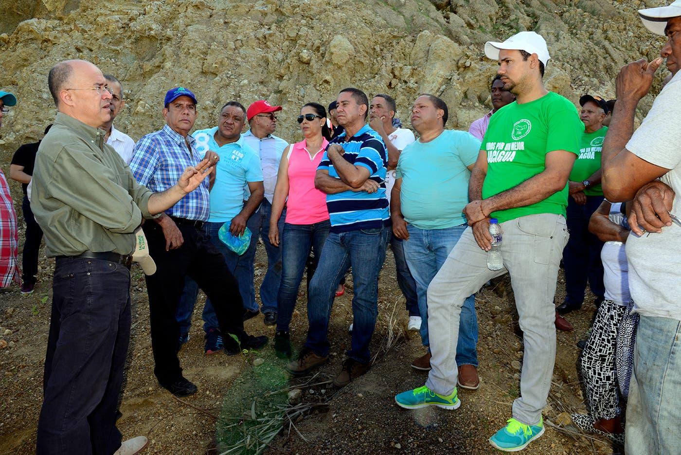 Domínguez Brito inicia acciones para rescatar acuíferos en comunidades de Santiago y Puerto Plata