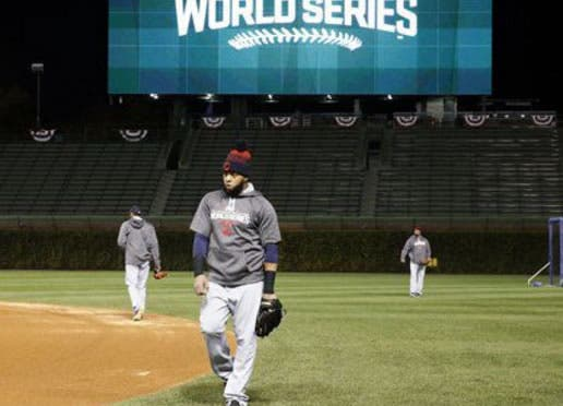 Serie Mundial: Santana al JI y Soler al JD en el 3er juego