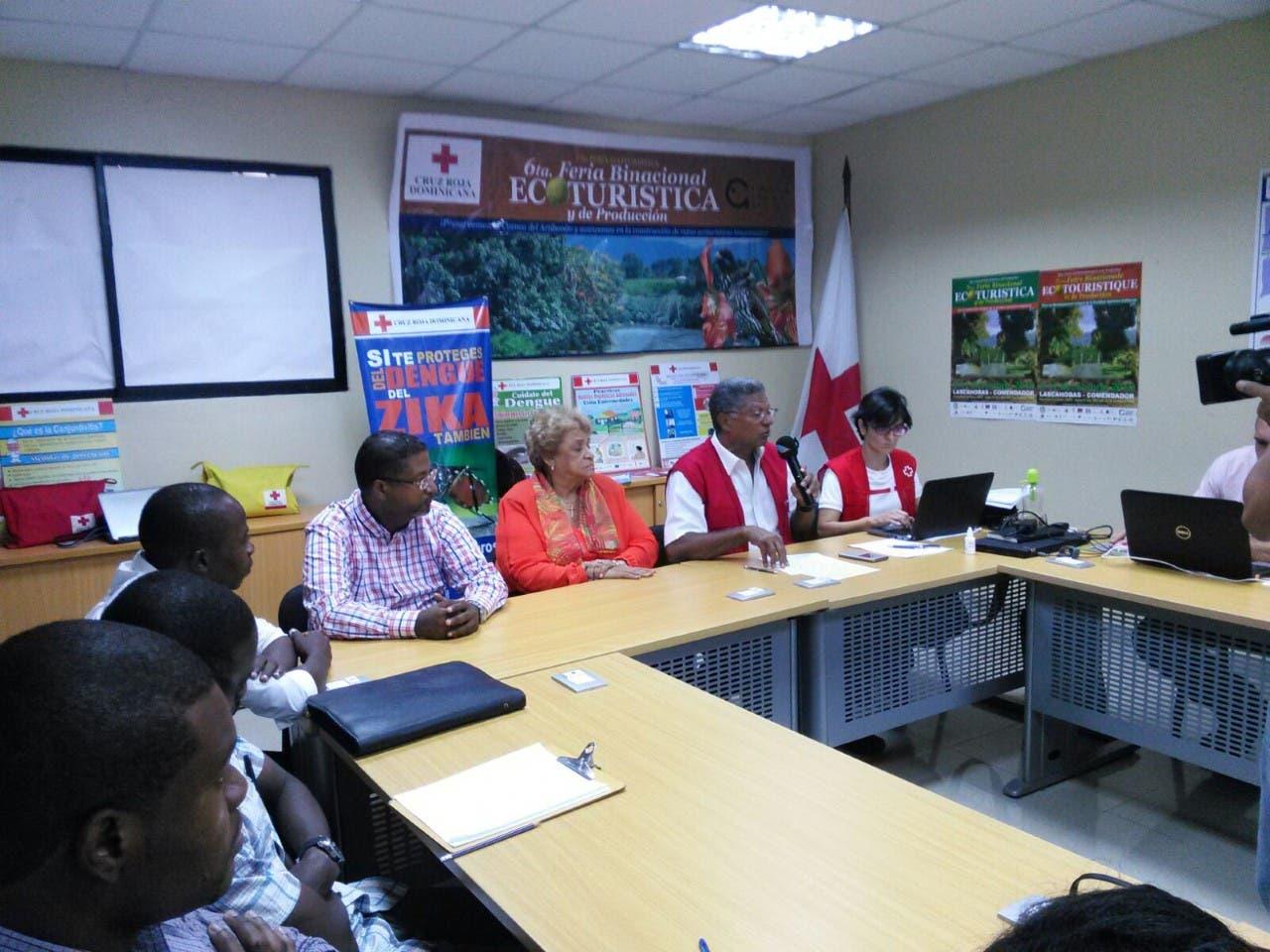 La Cruz Roja Dominicana y la Española coordinan ayuda a Haití con el Voluntariado de Estudiantes Haitianos UASD