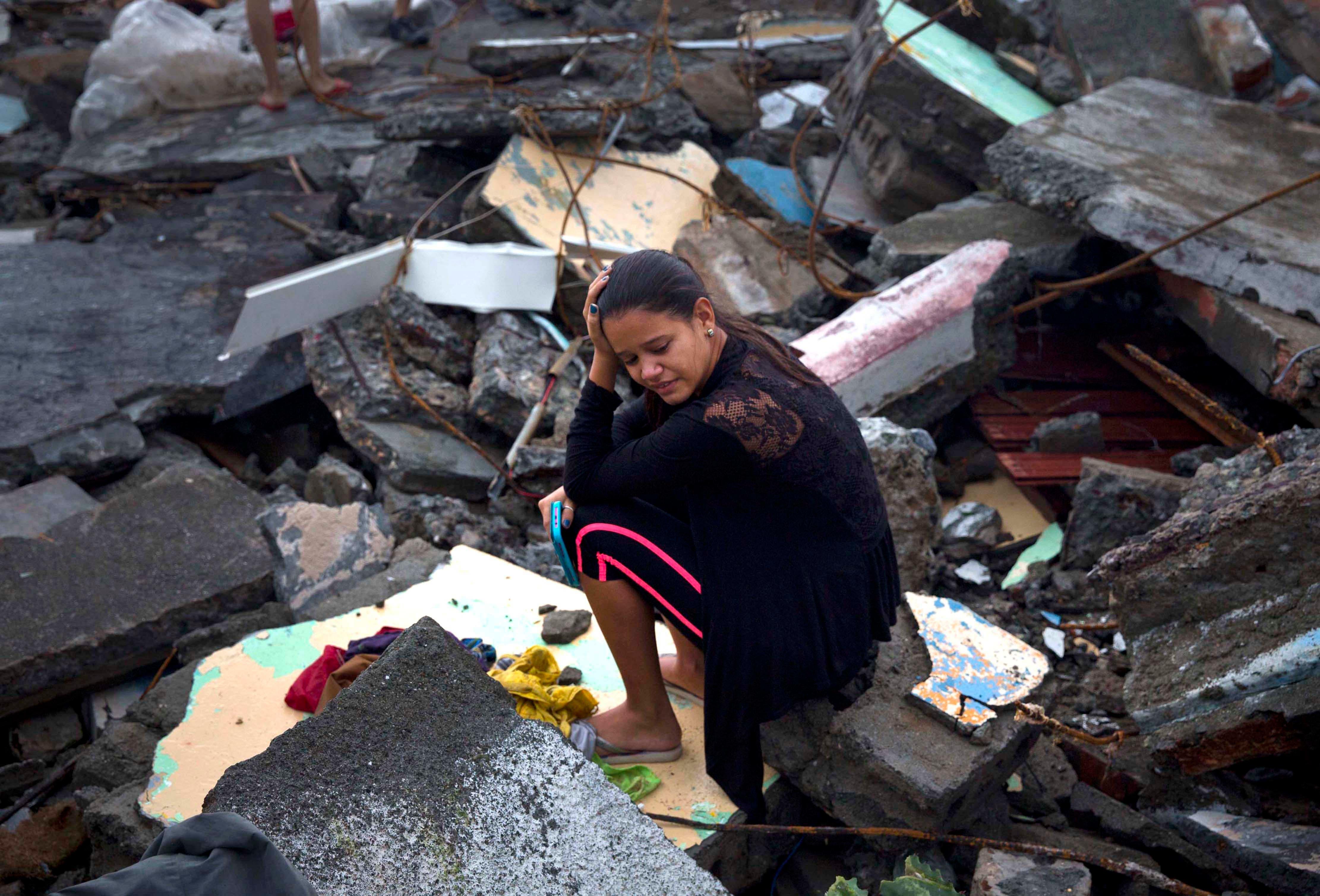 Matthew causa gran destrucción y aísla a cuatro municipios de Cuba