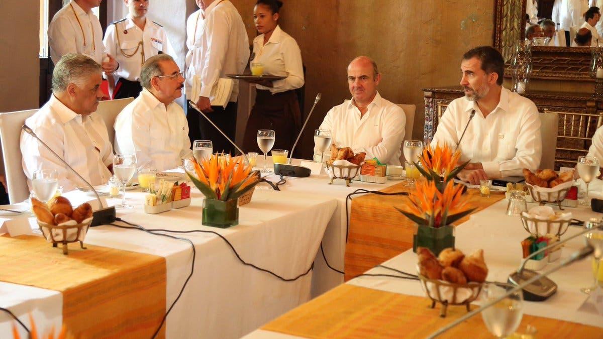 Video: Danilo Medina asiste a desayuno con Rey de España previo a la XXV Cumbre Iberoamericana