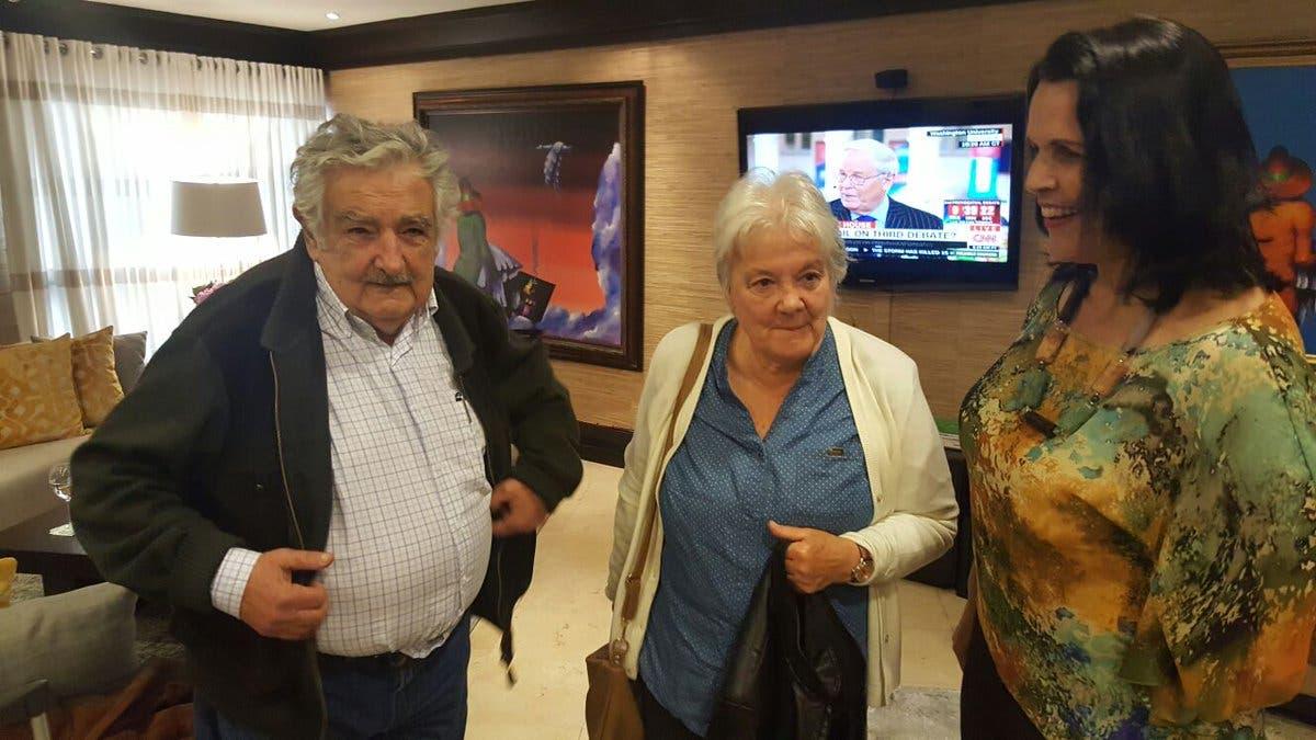 El expresidente Pepe Mujica llegó ya al país