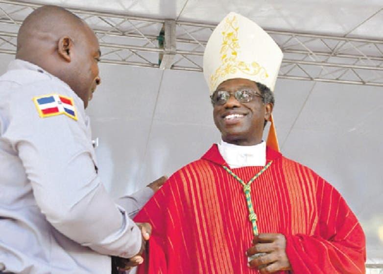 Vaticano trasladará al nuncio Thaddeus Okolo a Irlanda