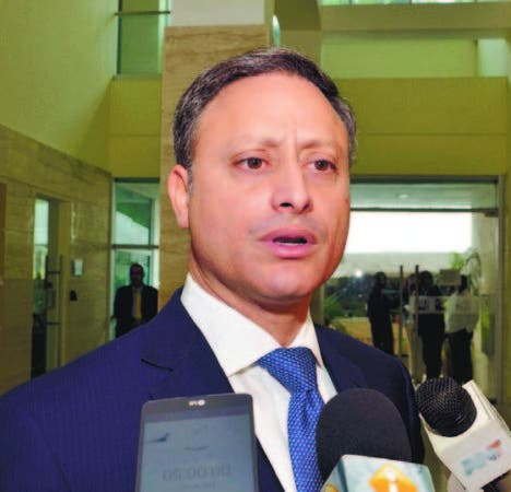 ¿Candado tardío? Procurador solicita a Cámara de Cuentas auditoría a  gestión Manuel Rivas en la OMSA